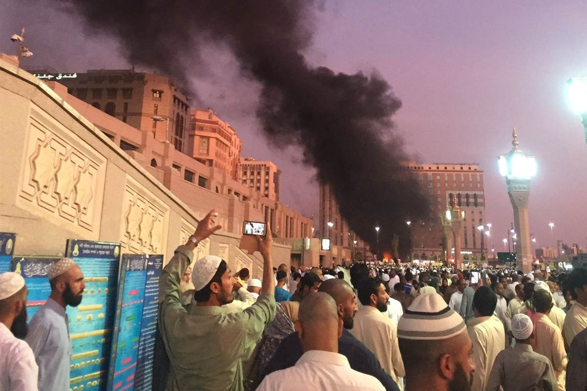 Breaking Suicide blast reported at Prophet's Mosque in Medina