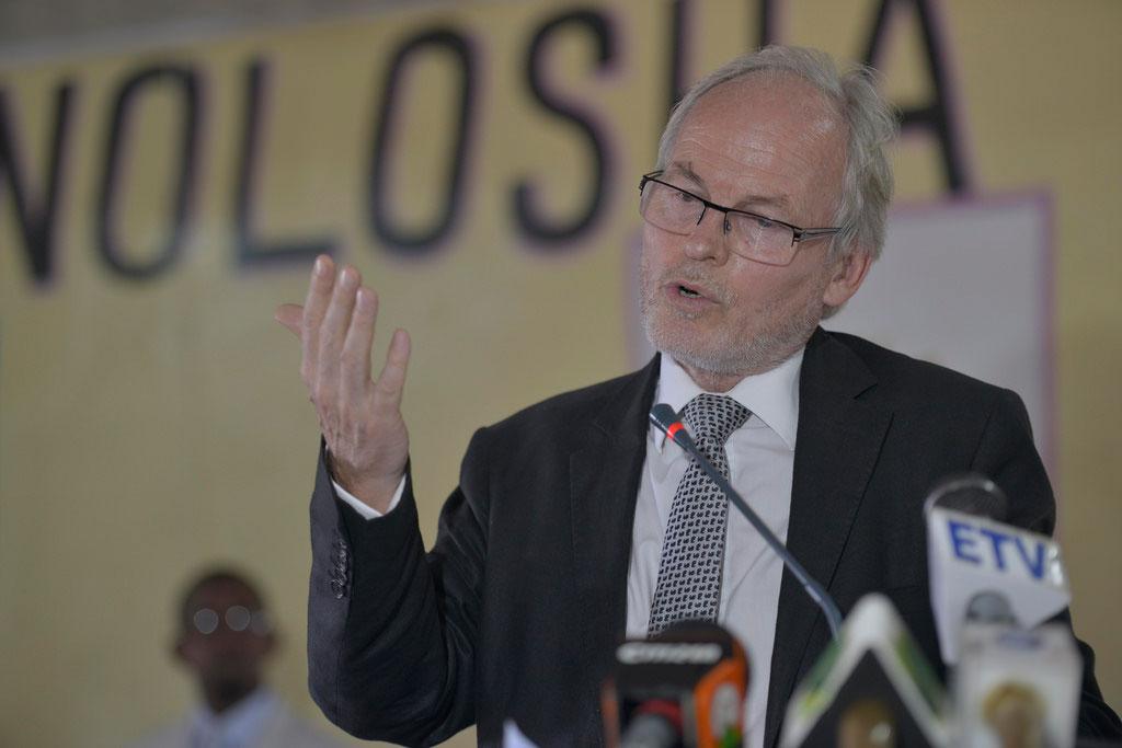 """Topnews:-Nickolas Key oo Puntland u saxiixay hub -""""Weerar Somaliland +Khaatumo iyo goboladda dhexe""""?"""