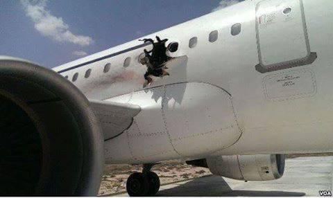 Topnews:-Daallo Airlines oo hawadda Somalia ku qaraxday - Sir Culus ?