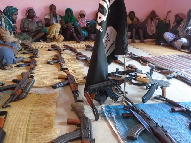 [Daawo] Odayaasha Waceeysle oo hubkii ay ka qaateen Madaxweyne Garguurte ku wareejiyay Al-Shabaab ?