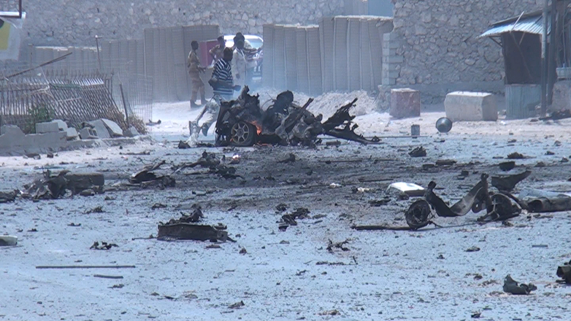 At least seven killed by bomb blast next to Somali capital airport