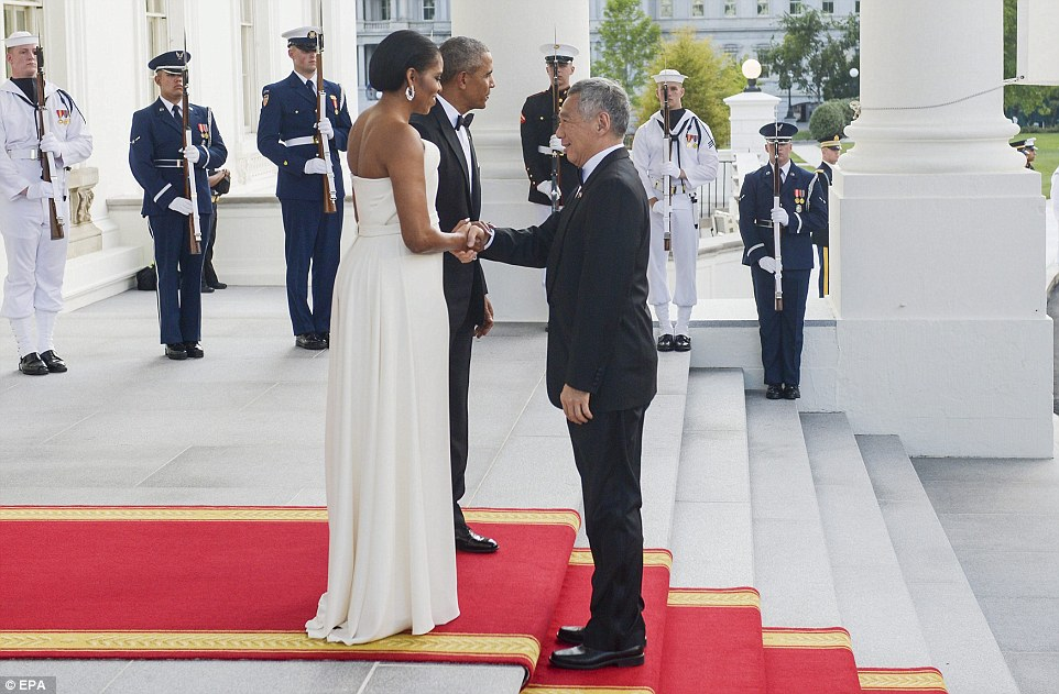 [Daawo]: Xaaska Madaxweyne Obama oo ka yaabisey Raisulwasaare Caan ah