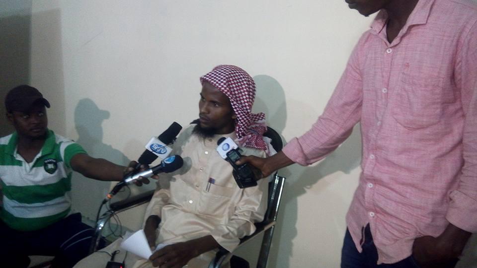 [Daawo] Sarkaal ka tirsan Al-Shabaab oo Dowladda Xamar isu dhiibay