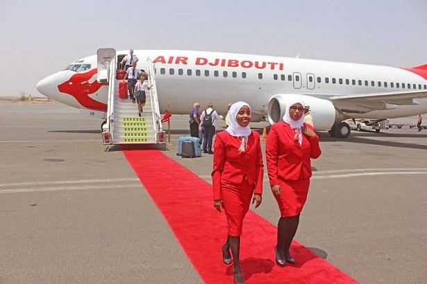 [DAAWO Muqaalka:]Diyaaradda Jabuuti Airlines oo Soo Cagadhigatay Garoonka Muqdisho
