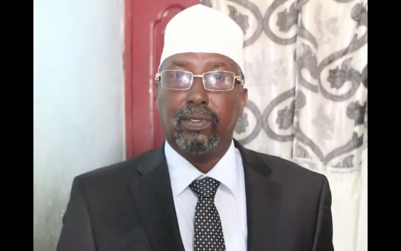 [Daawo Yaabka Somalia?] Taliyaha Amisom oo Garoonka diyaaradaha Markacadeey ka iibsaday Dowladda Talyaniga